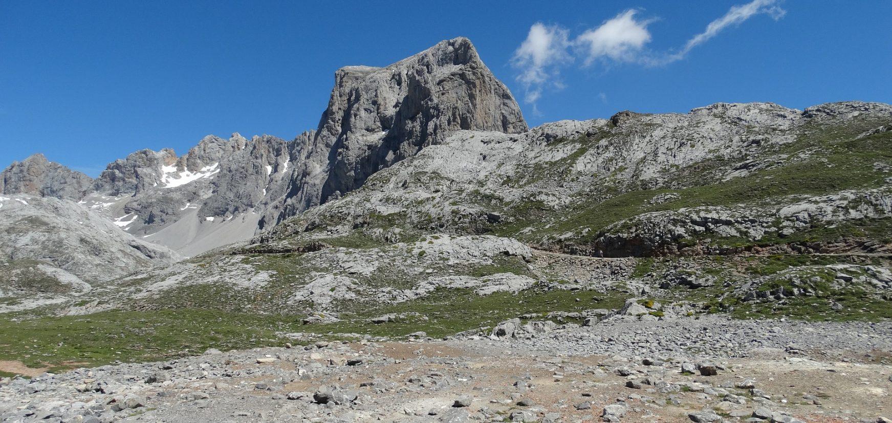 mountain-1650691_1920